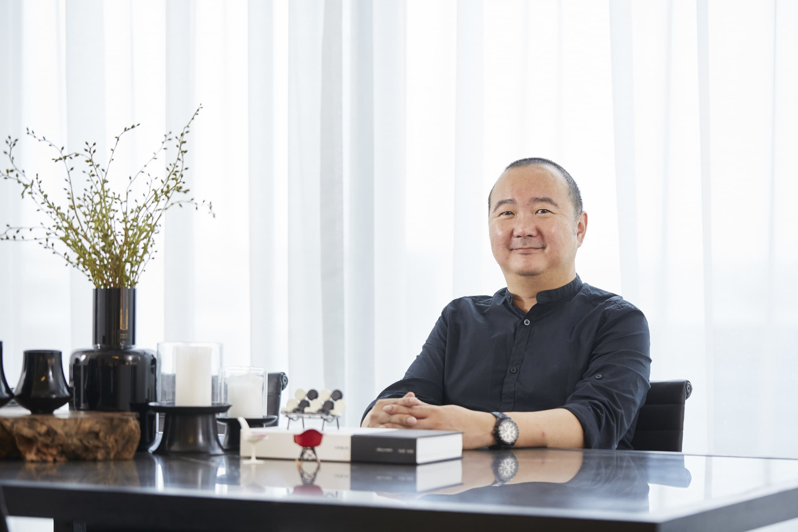Mr Charles Pui Chou Nee